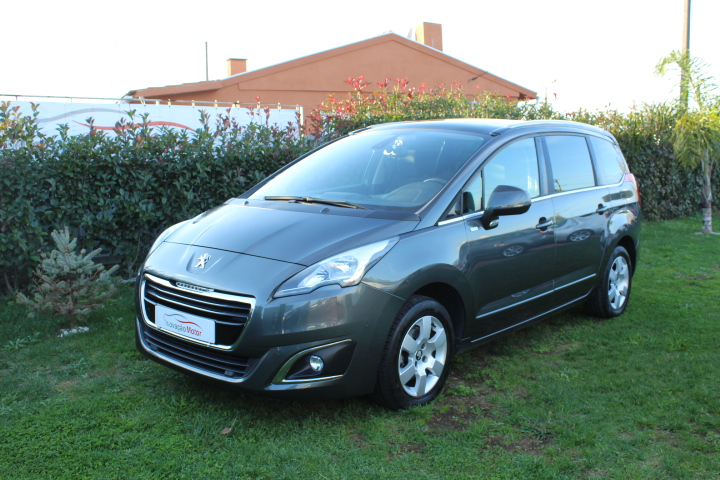 PEUGEOT 5008 1.6 BLUE HDI 120 CV STYLE 7 LUGARES